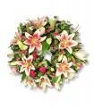1 Corona, 10 Varas de Liliums/ 2 Flores por Tallo, Alstroemerias o Maules, Follaje