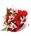 1 Ramo, 12 Rosas, 6 Varas de Liliums al Tono/ 2 Flores por Tallo